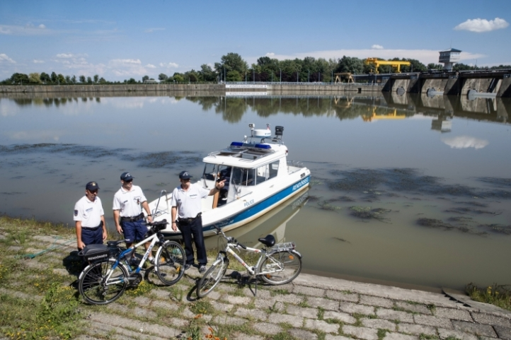 kerékpár rendőr tisza tó
